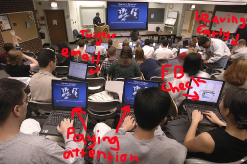 Tại sao bạn nên ghi chép bằng sổ tay thay vì Laptop 2