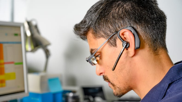 Một tai nghe cho phép bạn đa tác vụ trong ngày