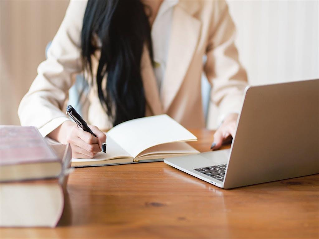 Bỏ bàn phím xuống và ghi chép sẽ giúp bạn làm việc hiệu quả hơn
