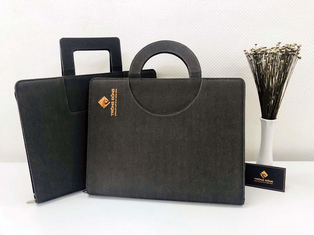 Cặp đựng hồ sơ tài liệu A4 đa năng là một món quà tặng quảng cáo cho doanh nghiệp hiệu quả
